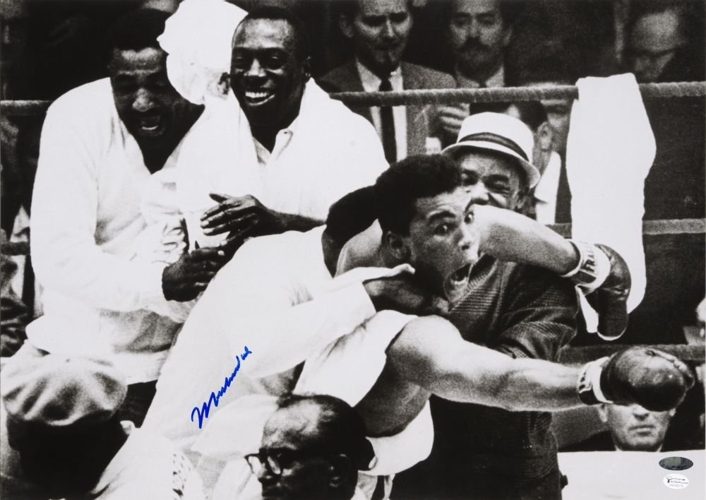 MUHAMMAD ALI, signed photograph from the Muhammad Ali