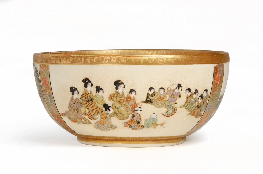A fine Japanese Satsuma large bowl, Meiji Period
