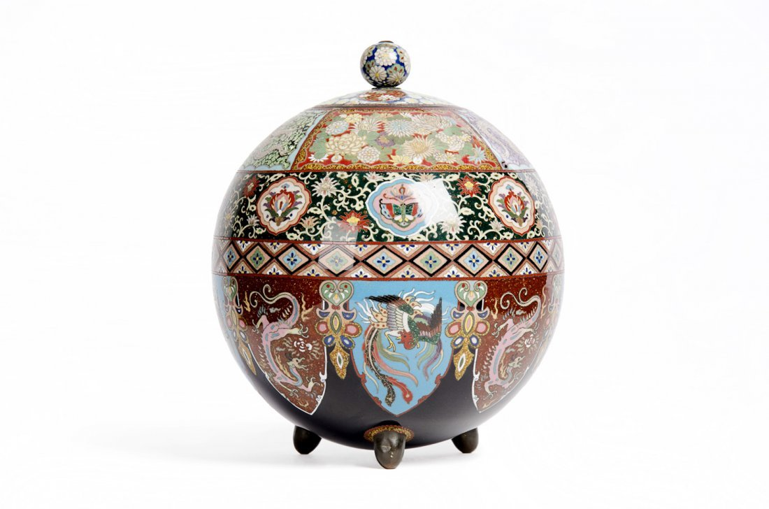 A cloisonné spherical pot and cover, Meiji Period