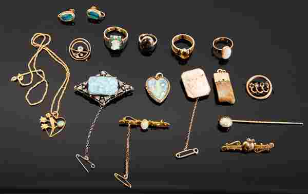 VARIOUS: A collection of Australian gold jewellery,