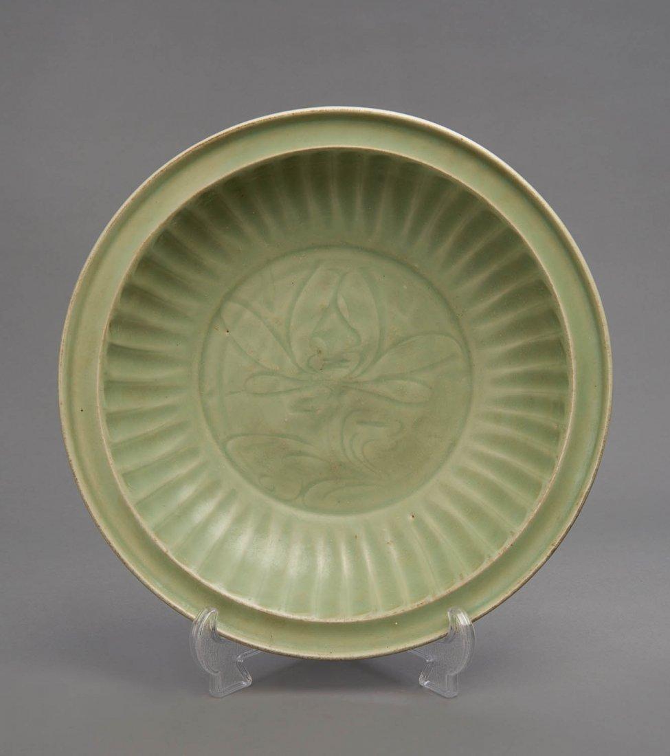 A large Longxuan celadon dish, late Song/Yuan Dynasty,
