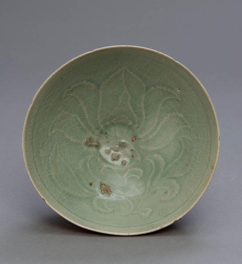 A Korean celadon bowl, Koryo Dynasty, 12th-14th century
