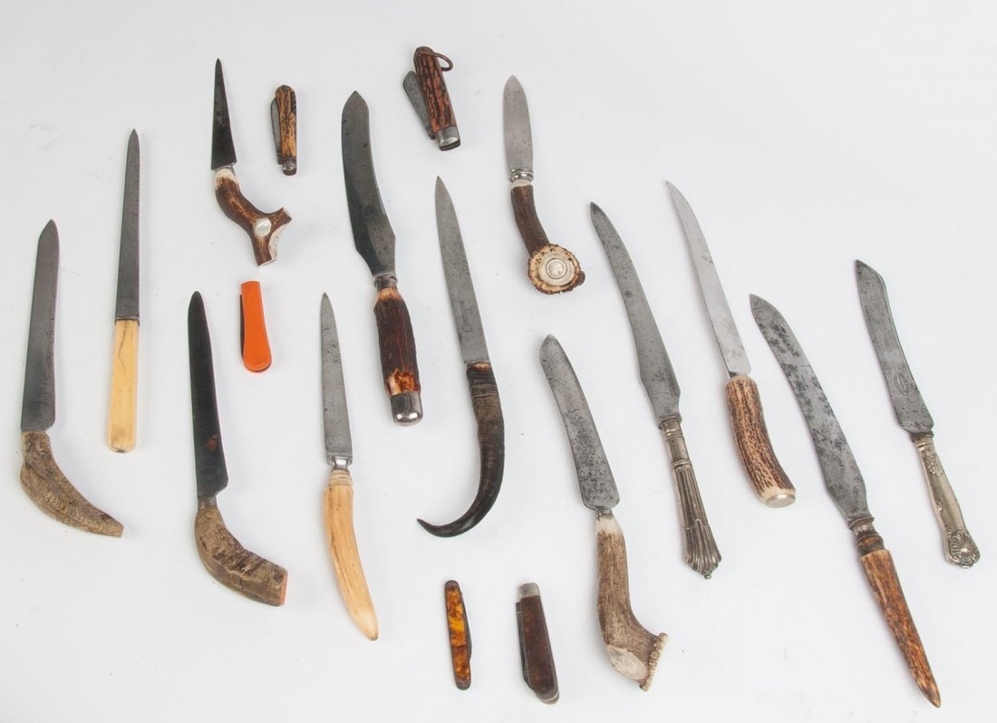 Pocket knives, carving & bread knives, mixed vintages.