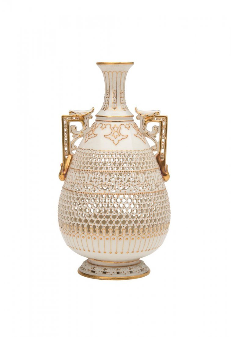 A Royal Worcester reticulated vase by George Owen, 1922
