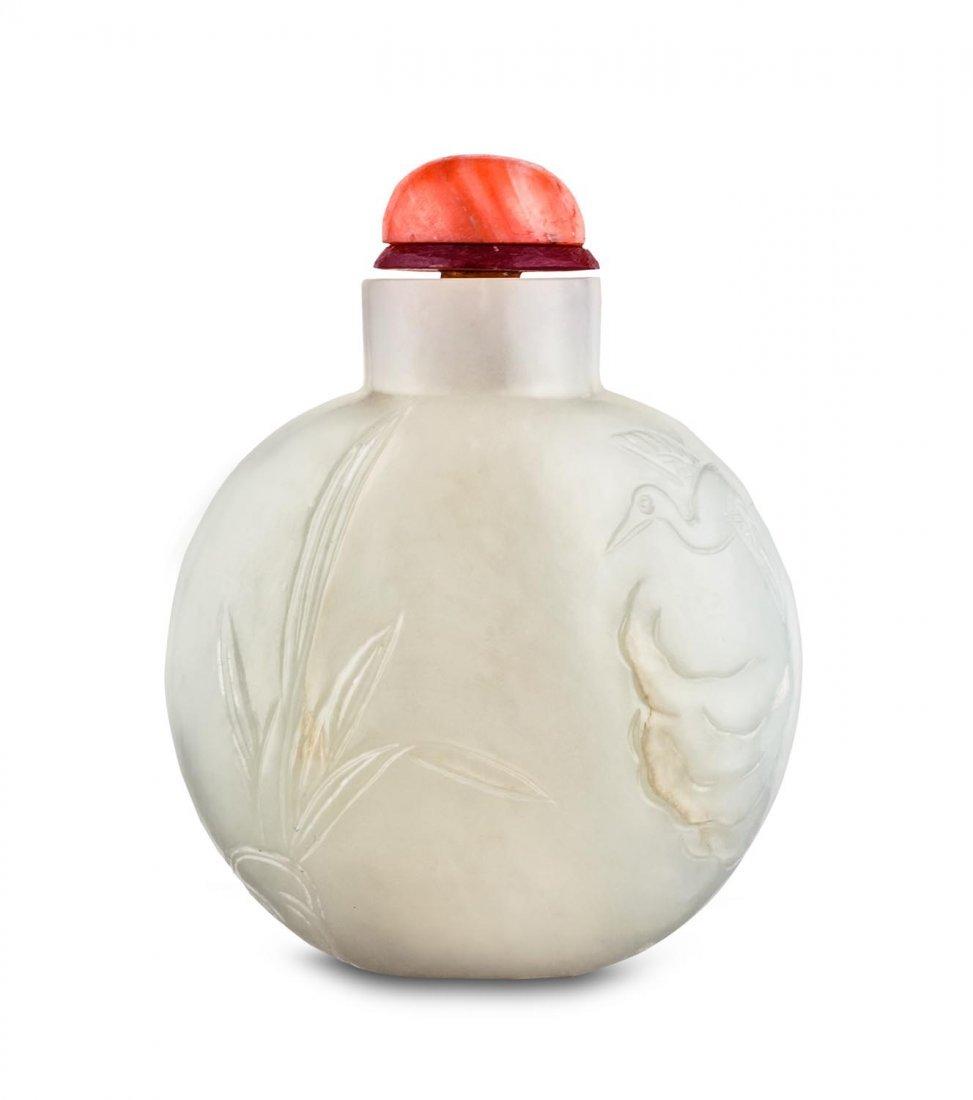 A good ovoid white jade snuff bottle, 19th Century