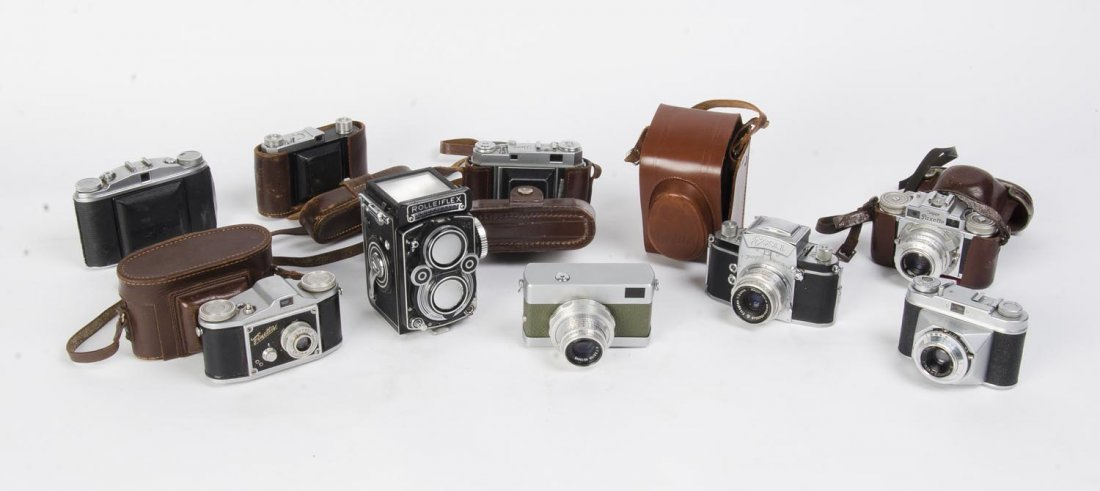 A group of German cameras. The group with Agfa
