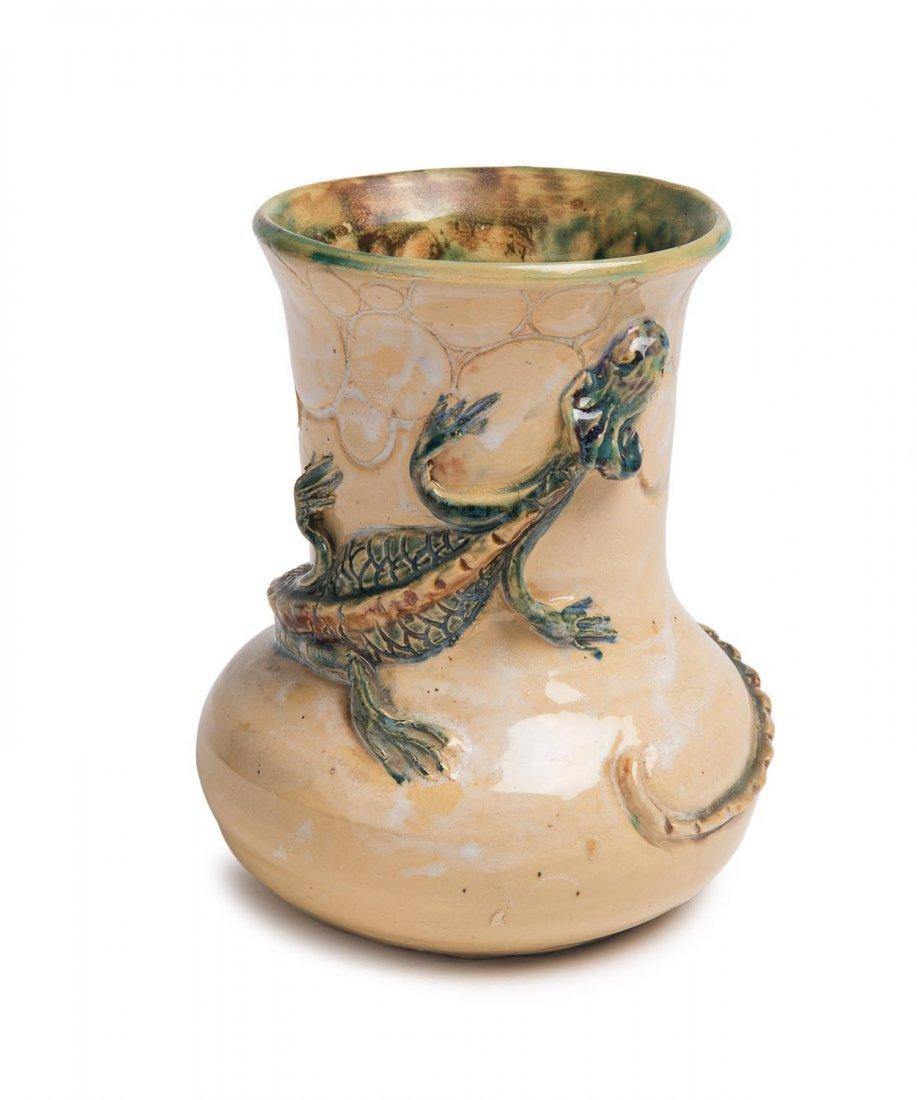 Marguerite Mahood (1901-1989) A glazed earthenware vase