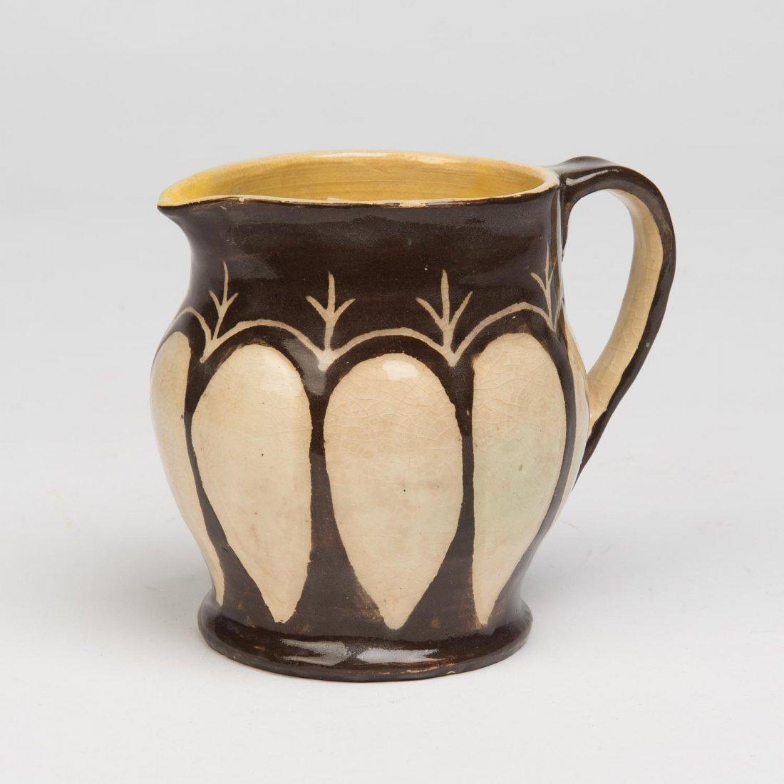 Marguerite Mahood (1901-1989)  A wheel thrown glazed