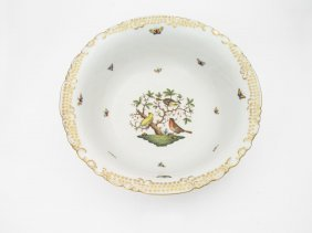 A Large Herend Circular Bowl Decorated With Birds €38