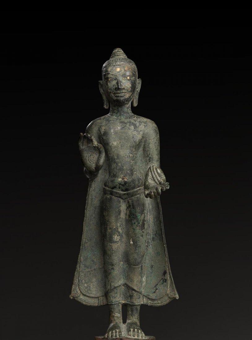 A VERY RARE VIETNAMESE BRONZE FIGURE OF BUDDHA, CHAM