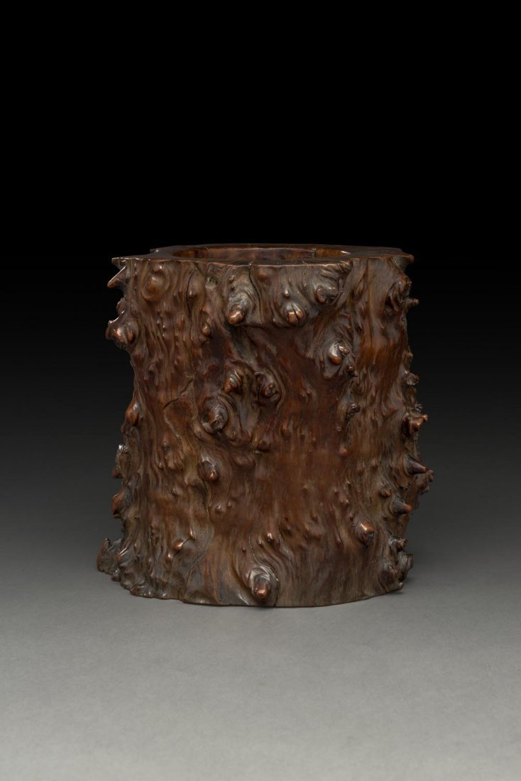 A LARGE CHINESE ROOTWOOD BRUSH HOLDER, EARLY QING