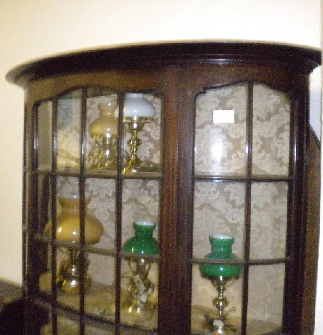 Demi-lune display cabinet - 3