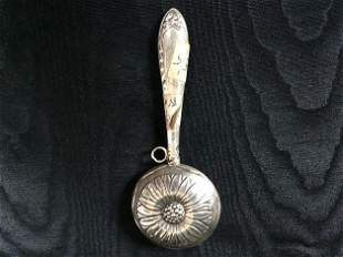 Silver rattle
