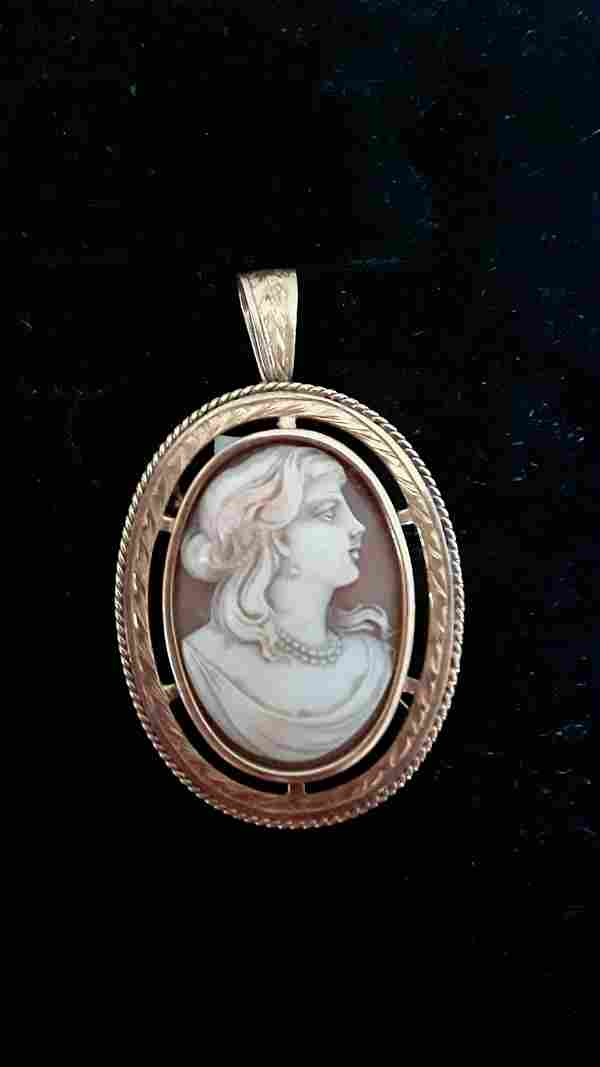 Pendant and brooch with cameo