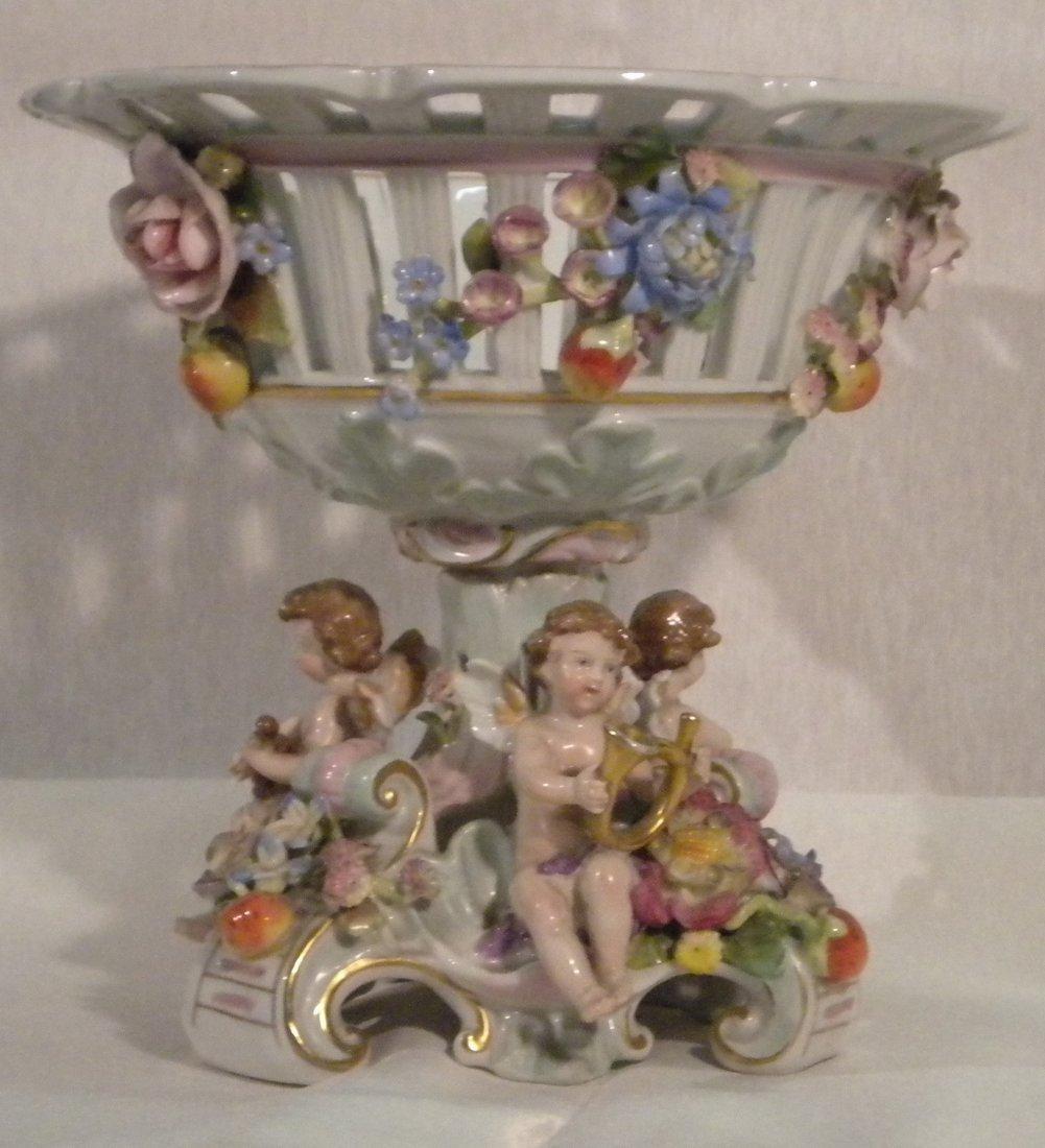 5: Porcelain centerpiece