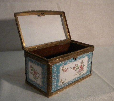 2: Amazing enamel box - 4