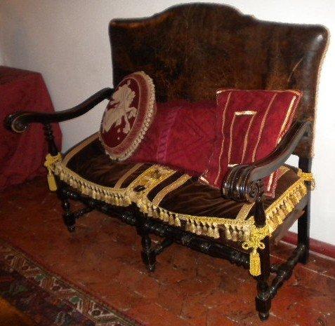 10: Sofa 17th century