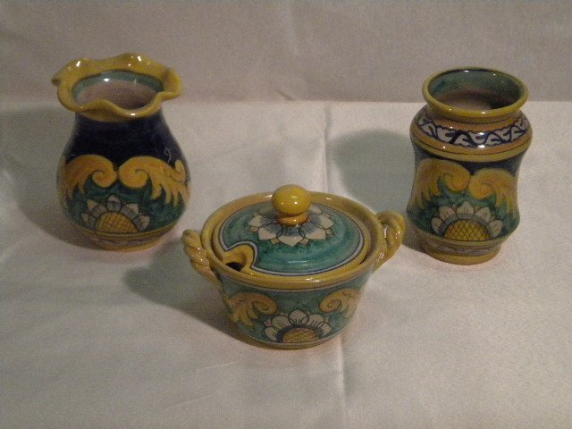 Italian pottery lot
