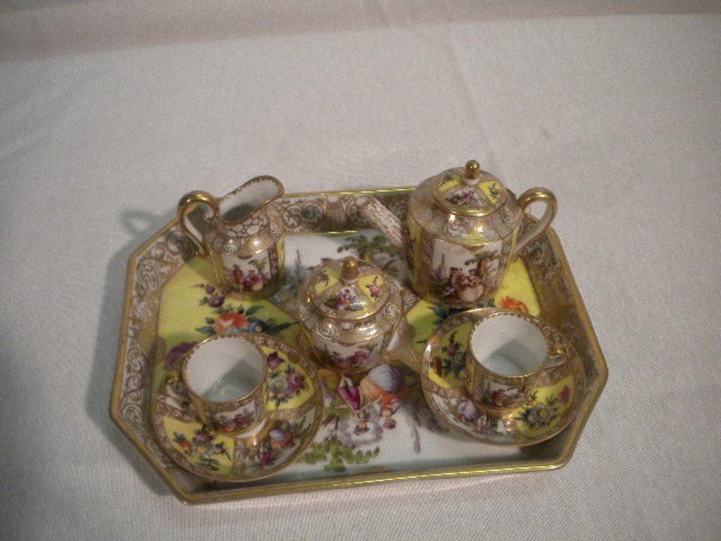 Meissen porcelain small tea set