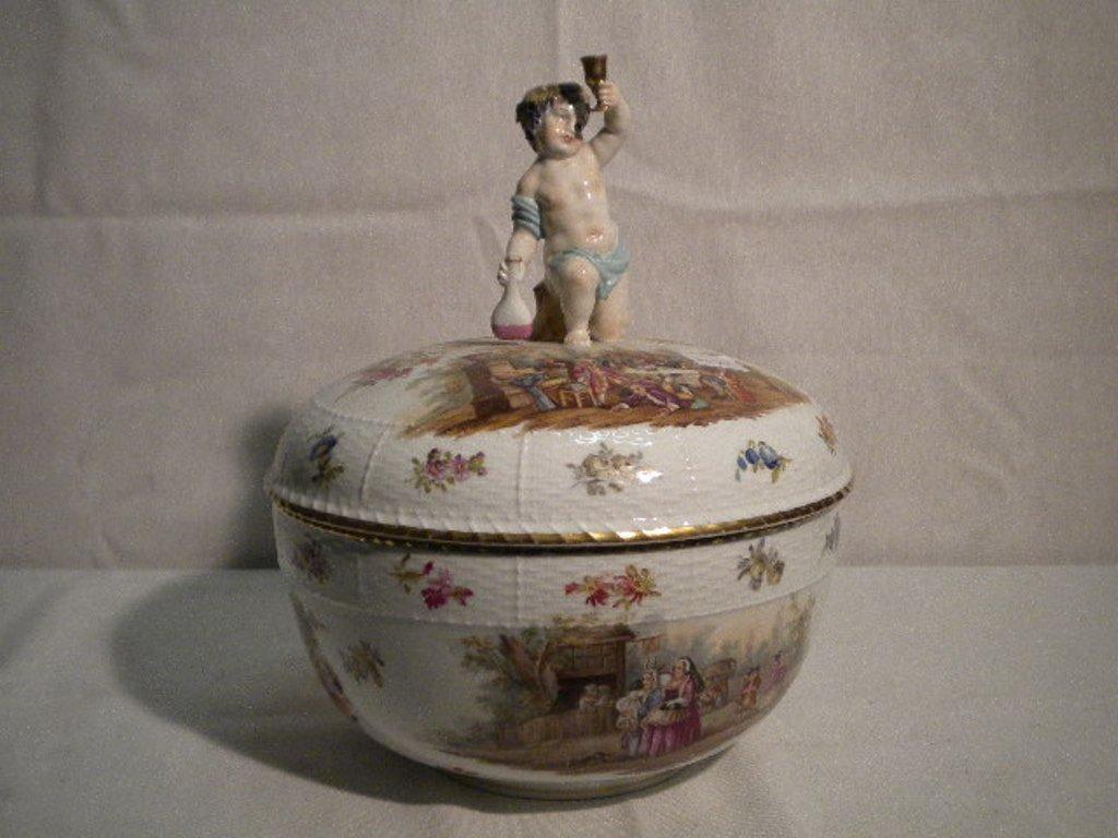 Berlin porcelain soup tureen