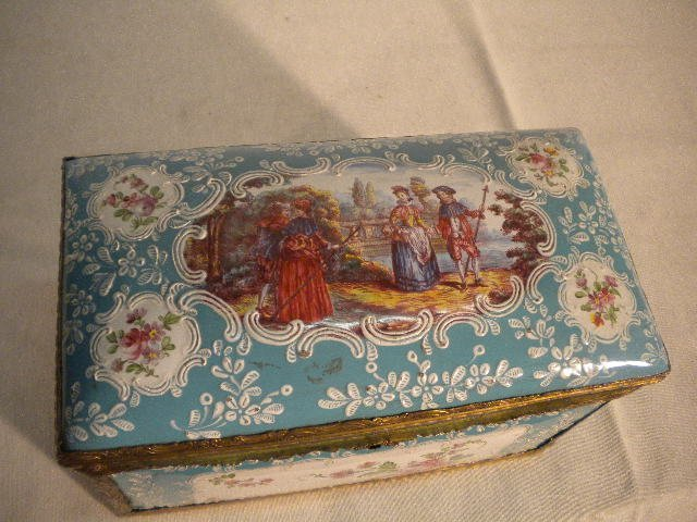 Amazing enamel box