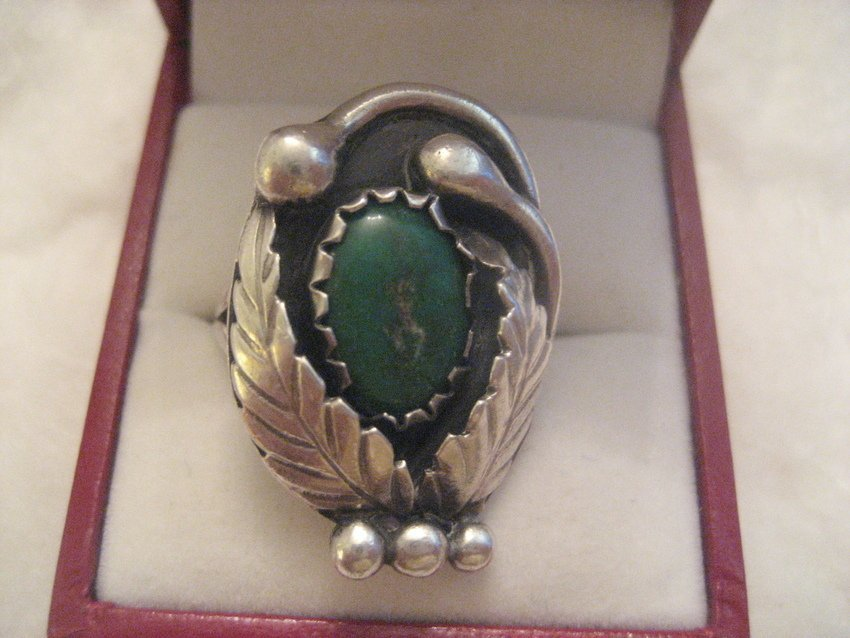 10: Sterling Silver Turquoise Basket Ring