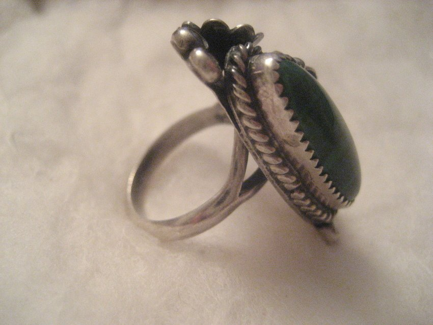 30: Navajo Sterling Silver Feather & Flower Ring - 4