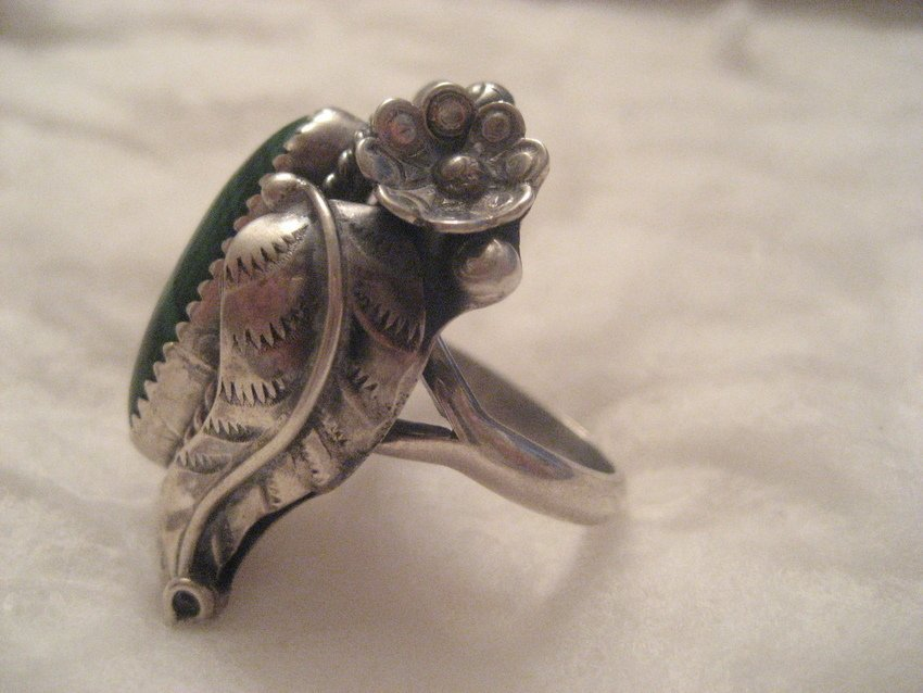30: Navajo Sterling Silver Feather & Flower Ring - 5