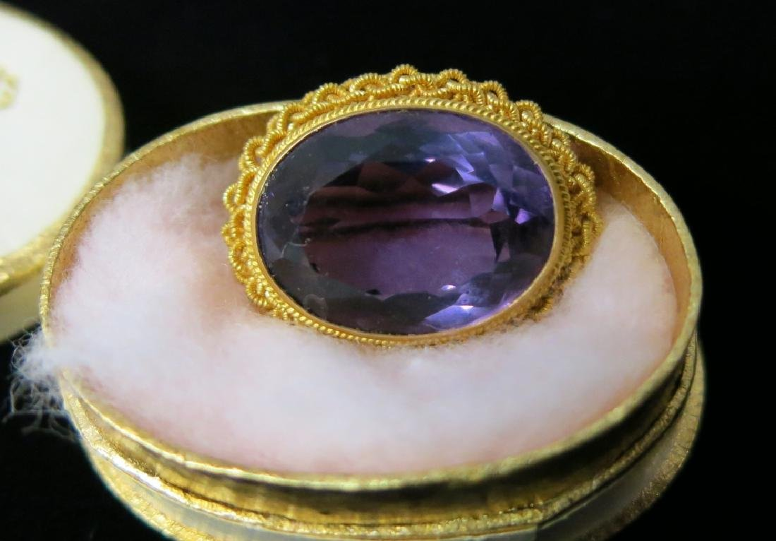 14K GOLD PIN WITH OVAL AMETHYST