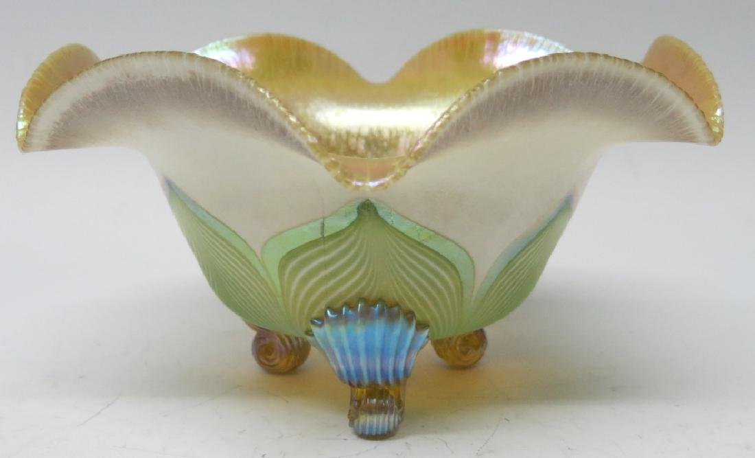 QUEZAL PULLED FEATHER ART GLASS FOOTED BOWL