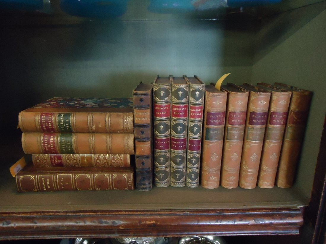10: LOT OF 13 LEATHER BOUND BOOKS