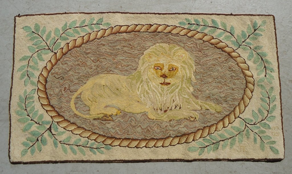 68: HAND HOOKED PICTORIAL SCATTER RUG OF A LION