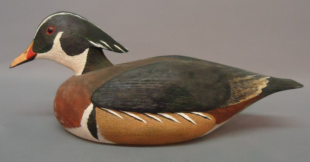 20: H.M. HANELT CARVING OF A WOOD DUCK
