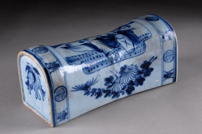 5: A CHINESE BLUE AND WHITE PORCELAIN PILLOW