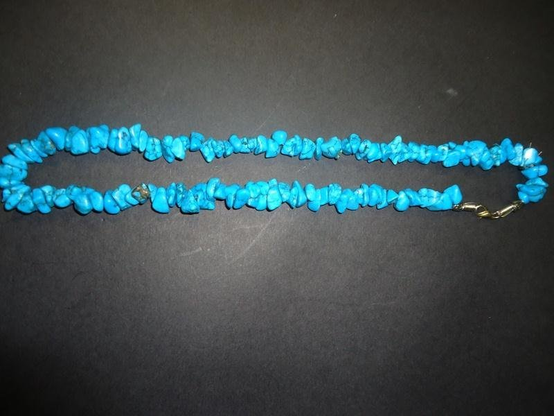 20: NATURAL TURQUOISE NECKLACE