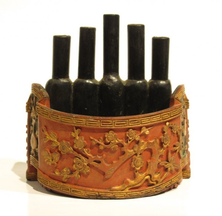 CHINESE QING BRUSH HOLDER