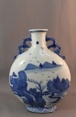 CHINESE QING BLUE AND WHITE VASE