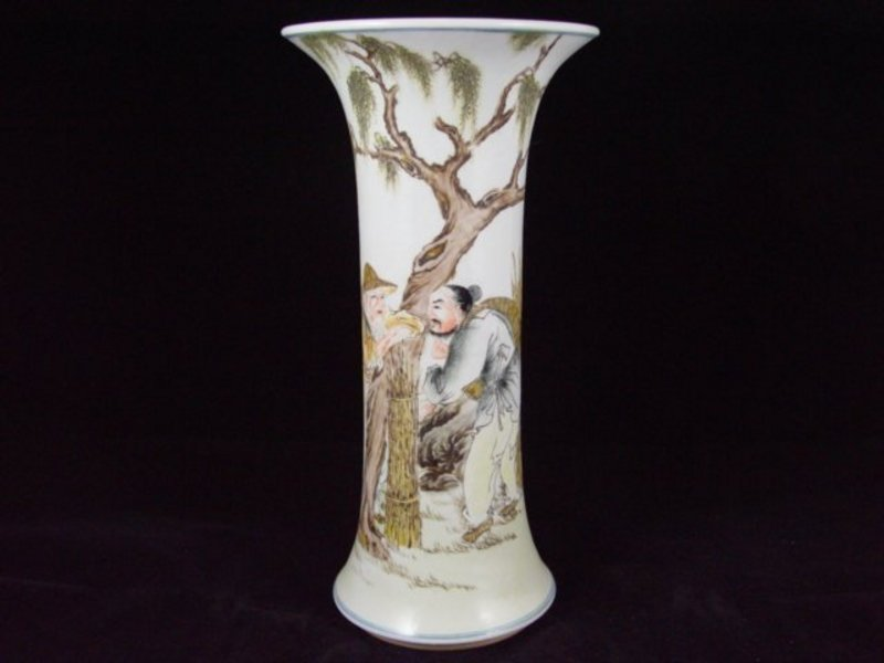 009: Fine Chinese vase from the early 1900's