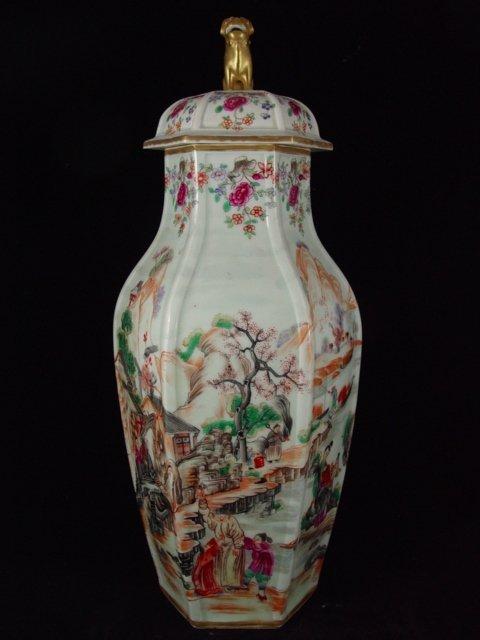 087: Large Chinese export Rose Mandarin vase
