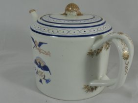 018: 19th Century Chinese export Teapot flying cherub
