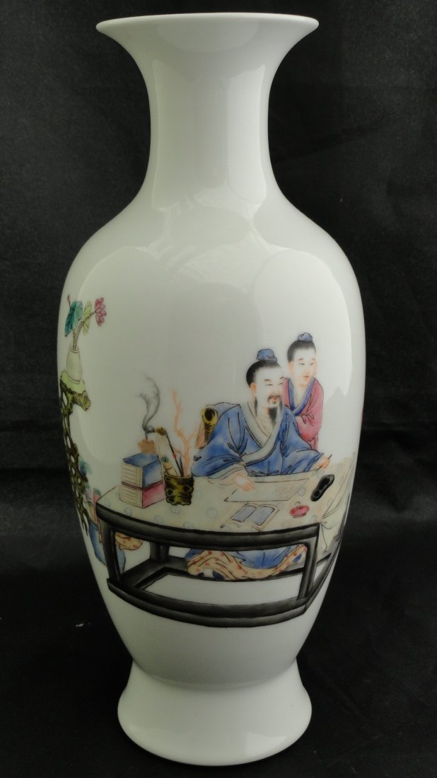 013: Fine Chinese Famille Rose Vase from early Republic