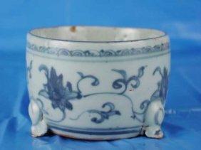 017: Fine 15th Century  Chinese Incent Burner Tri-Pot