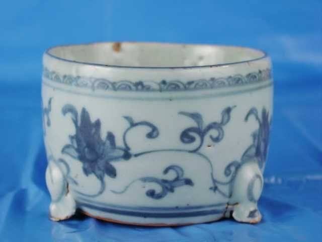017: Fine 15th Century  Chinese Incent Burner Tri-Pot