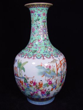 020: Large 19th Century Chinese Export Famille Rose vas