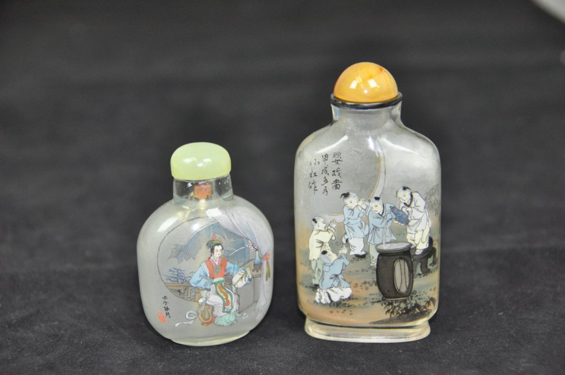 9: TWO OF INSIDE-PAINTED GLASS SNUFF BOTTLES