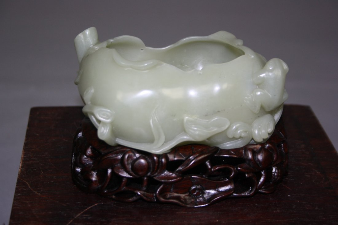152: Chinese Hetian Jade Brush Washer With Frog and Sna