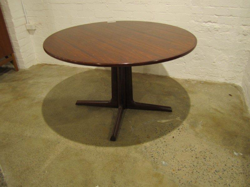 8: Palisander Brazilian Rosewood Dining Table