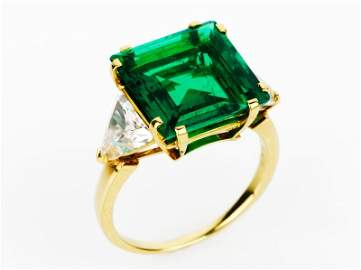 34: Bvlgari Important Emerald and Diamond Ring