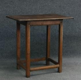 DIMINUTIVE 18THC.  TAVERN TABLE IN TIGER MAPLE