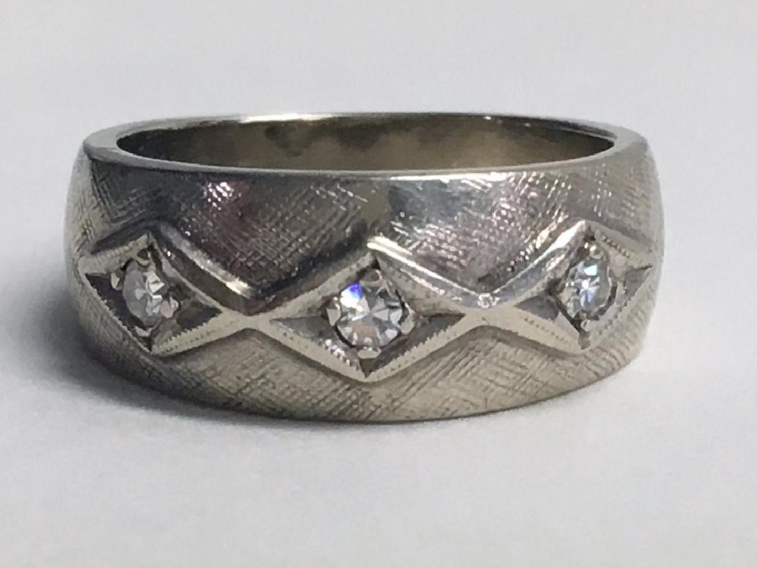 VICT. JEWELRY INC. DIAMOND COCKTAIL RING,  DIAM. - 5